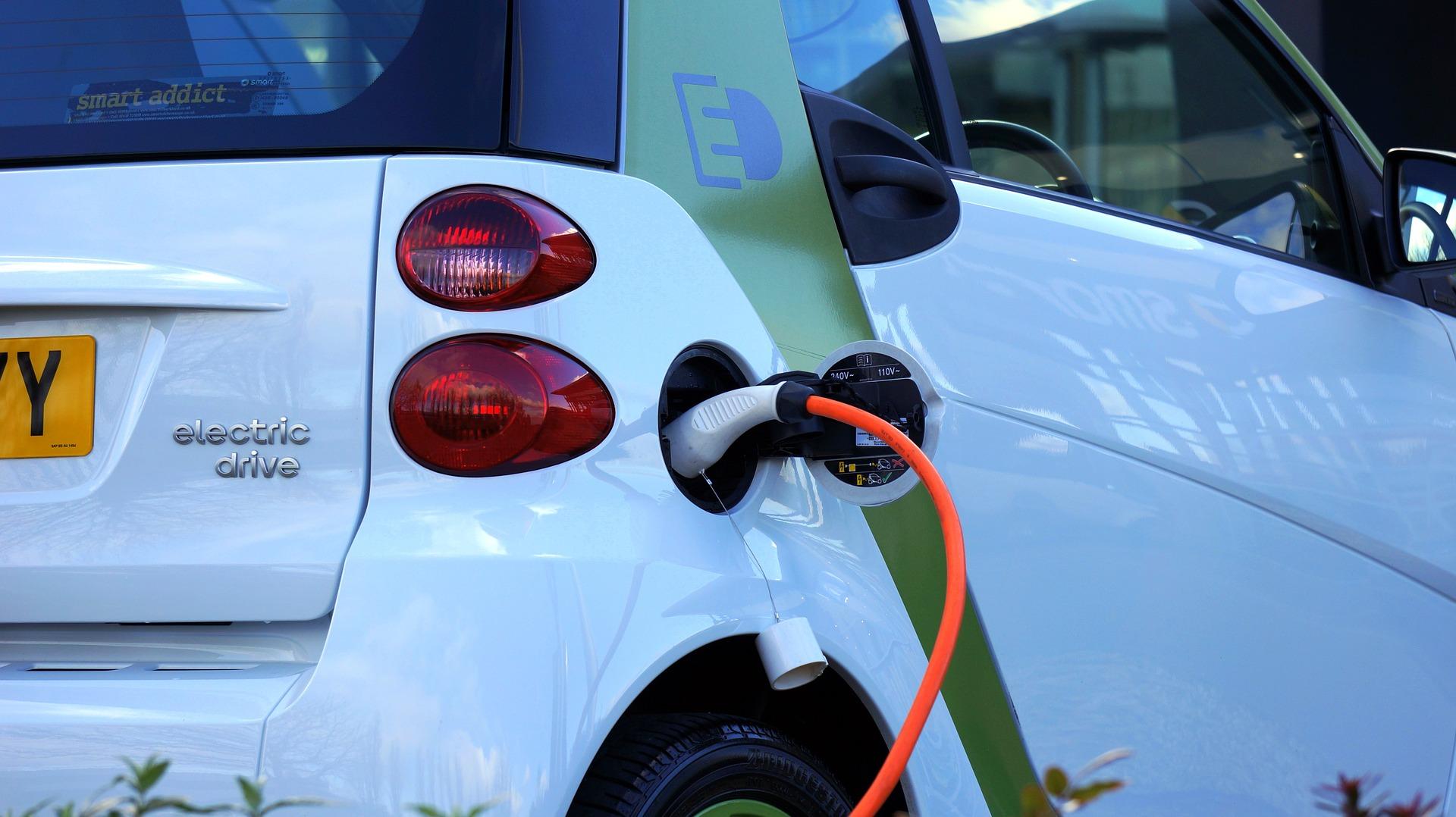 Tot 4.000 euro subsidie elektrische auto voor particulieren